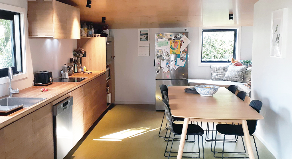 DIY Kitchen Benchtop & Cabinetry